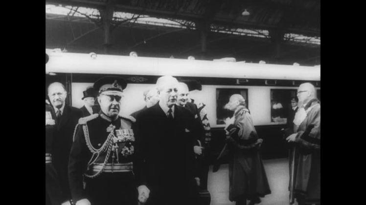 charles-de-gaulle-state-visit-officer-millitary-president-politics